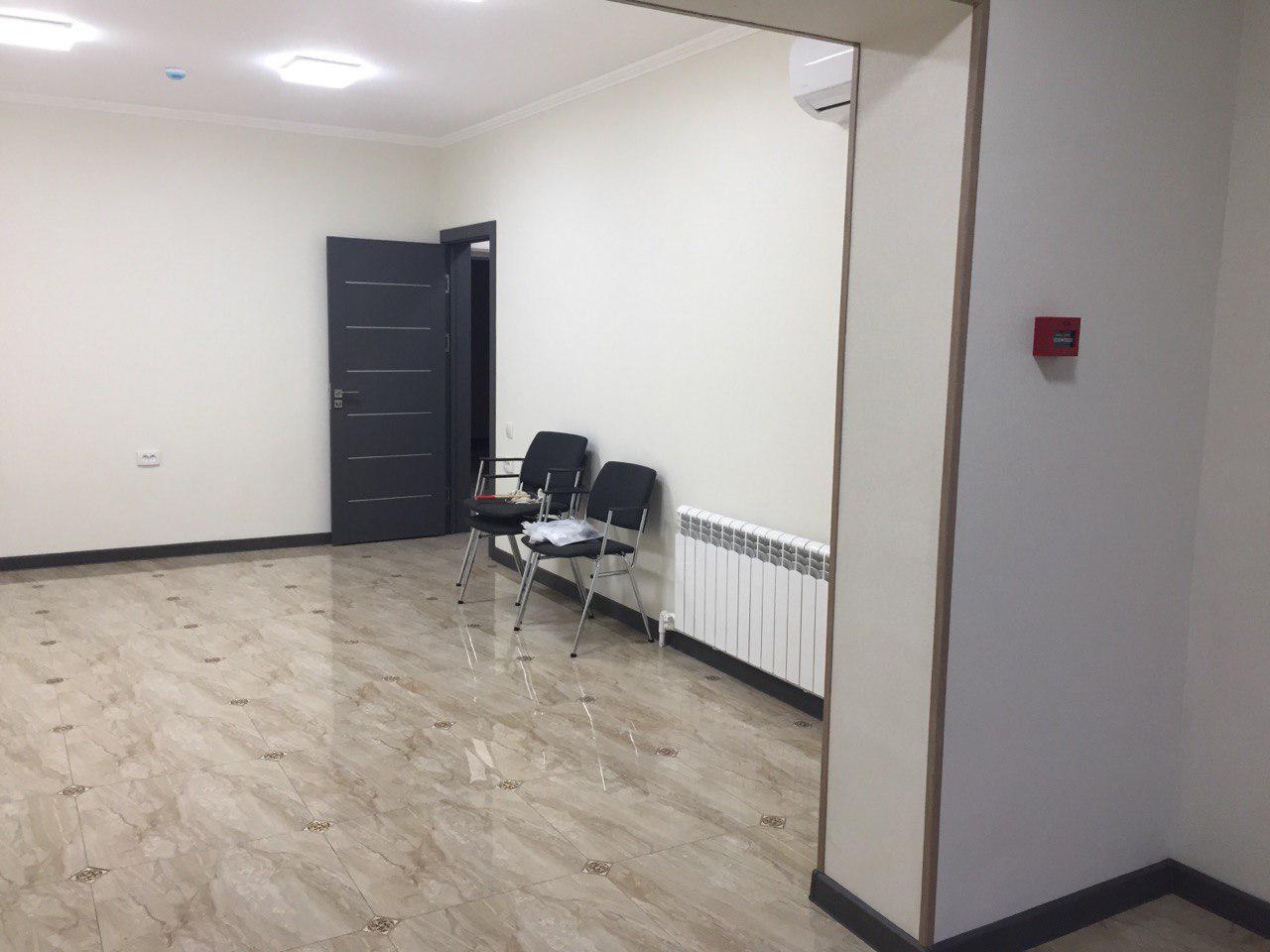 Продам новый офис 100 м кв со свежим евро ремонтом на Башлыке в Ташкенте.