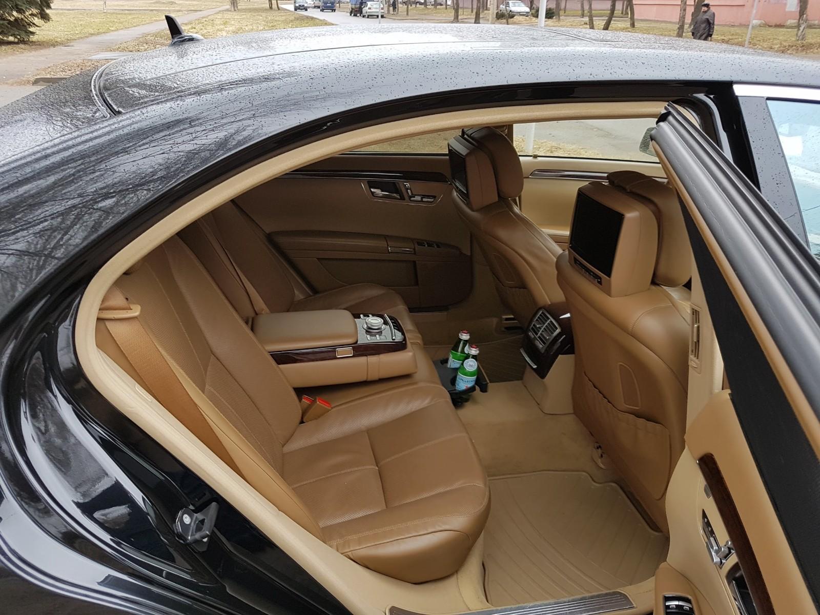 Аренда авто с водителем в Минске. Mercedes W221 S500 Long1