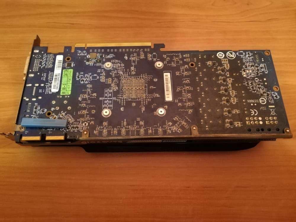 Gigabyte Radeon HD7950, 3gb, 384 bit (По смешной цене)