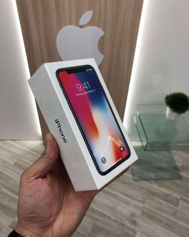 Полностью Новый iPhone 7 Plus 32gb! Запечатанный В Заводскую Плёнку!