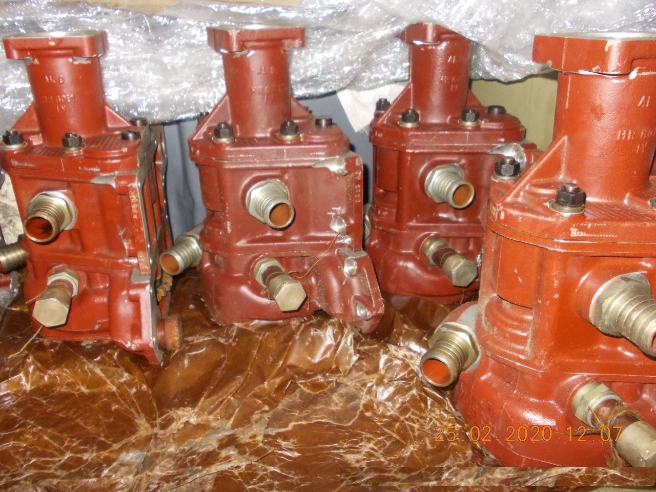 Запасные части на дизельные двигатели УТД-20