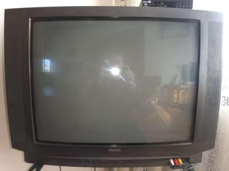 "Телевізор ""Universum - FT81015"" (Німеччина)"