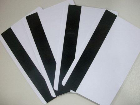 Дубликаты кредитных карт под обнал через АТМ.