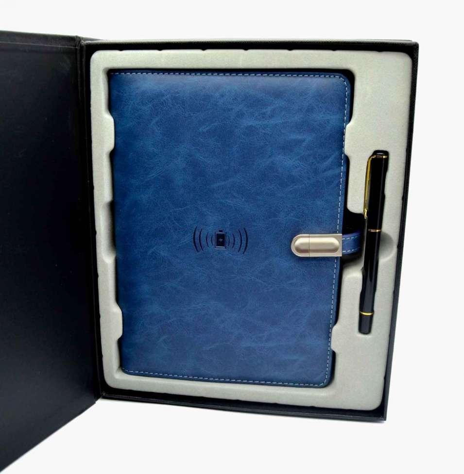 Эксклюзивный органайзер-ежедневник с зарядным устройством, подчеркнет2