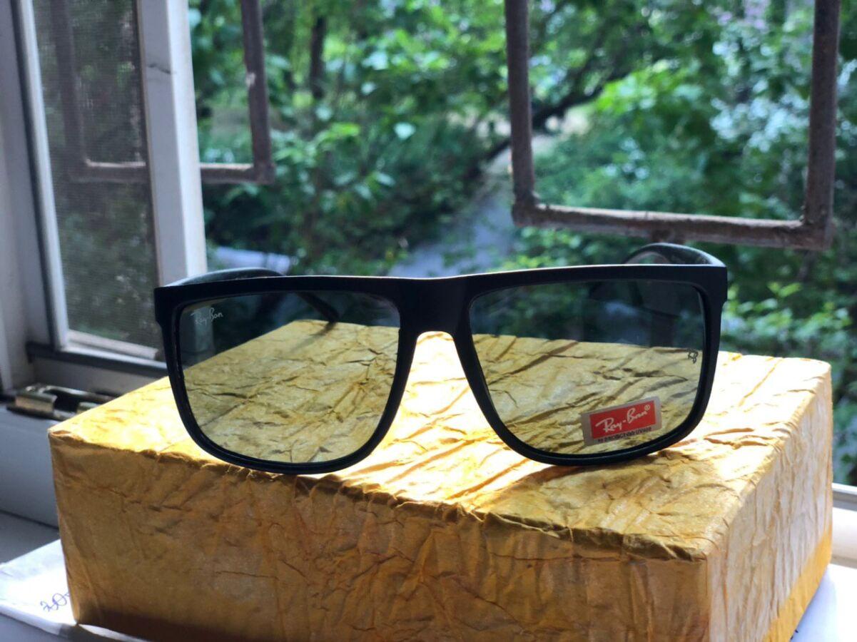 Солнцезащитные очки Ray Ban + 2 многоразовых полотенца для чистки