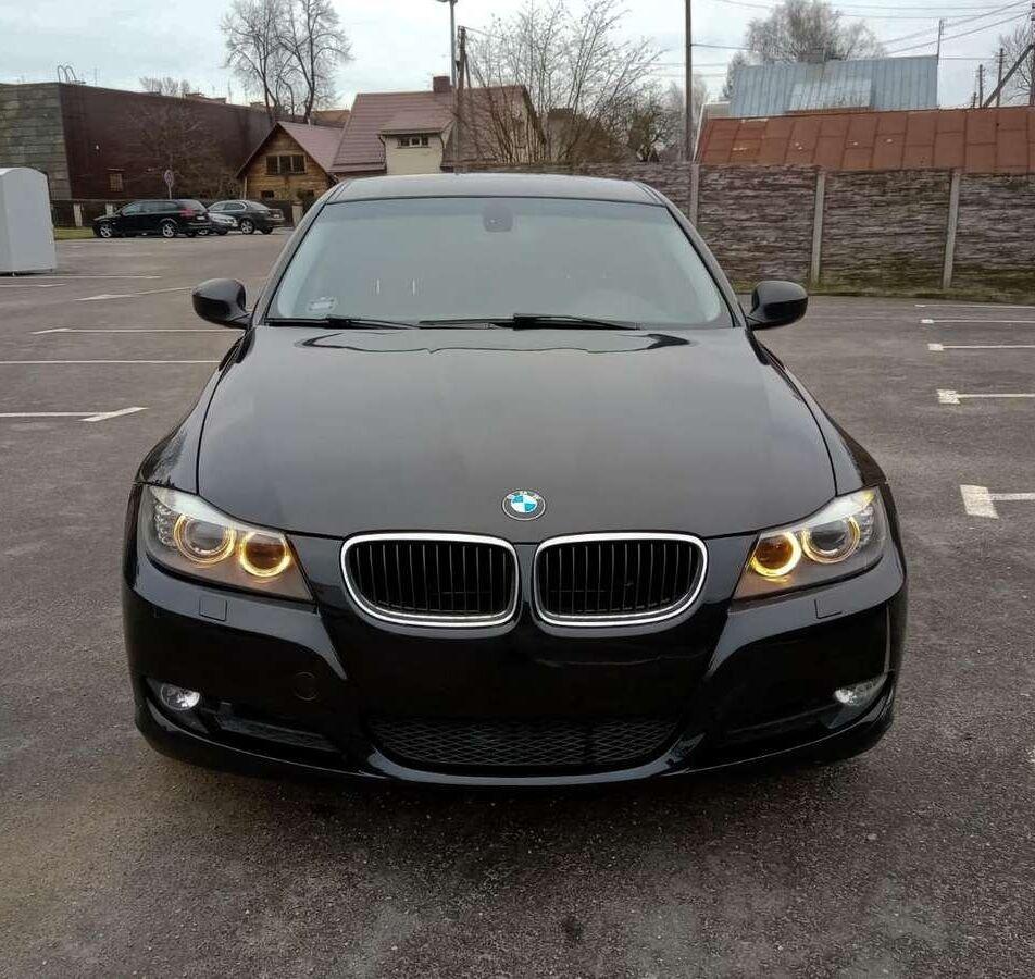 BMW-320