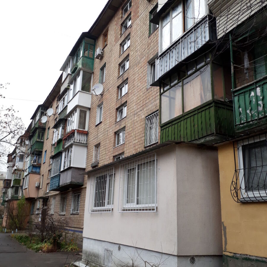 Продажа 3-см,Днепровский район,масив Воскресенка,ул.Курнатовского 11