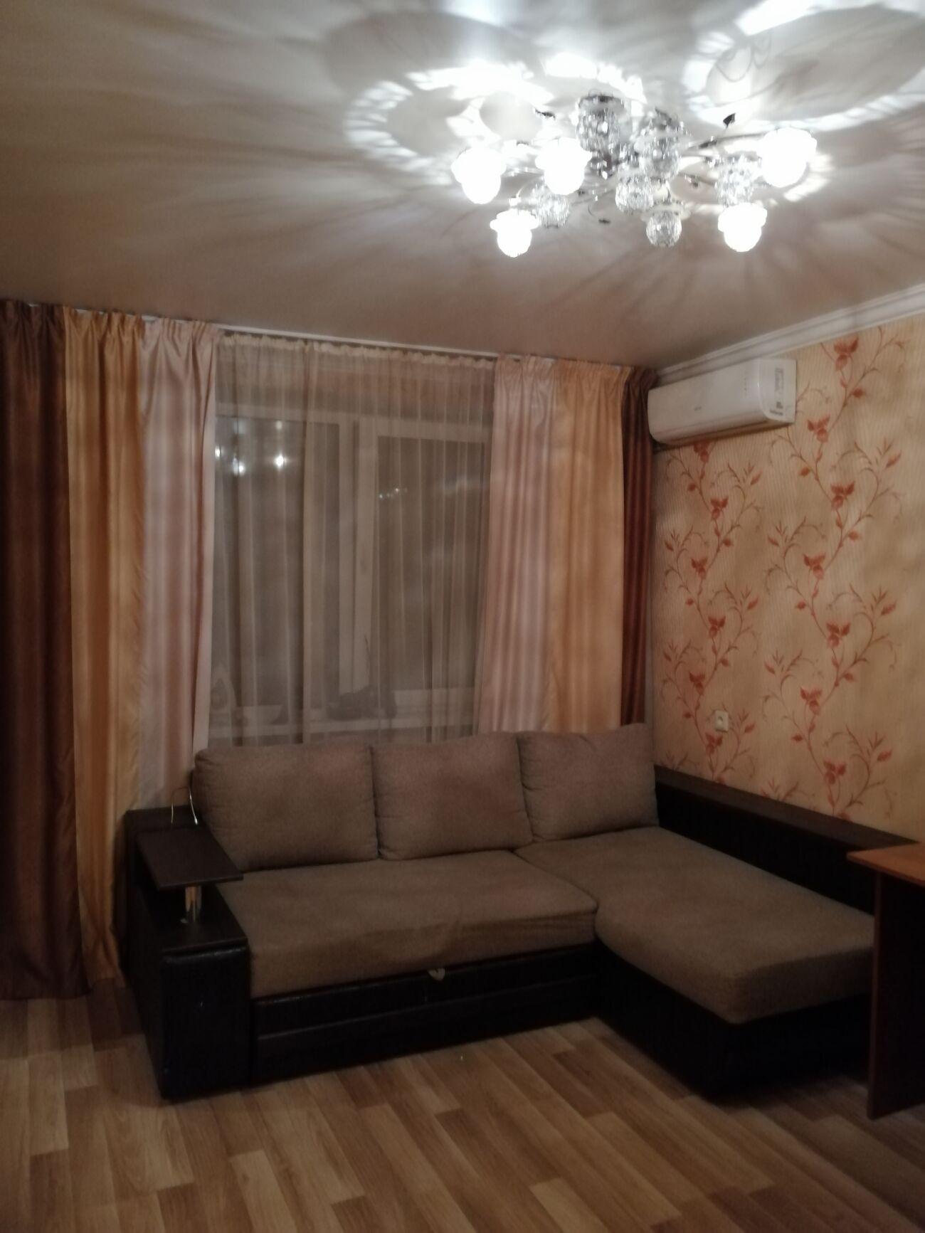 Продам 1 к. квартиру с ремонтом 10 минут пешого хода м. Житомирская.