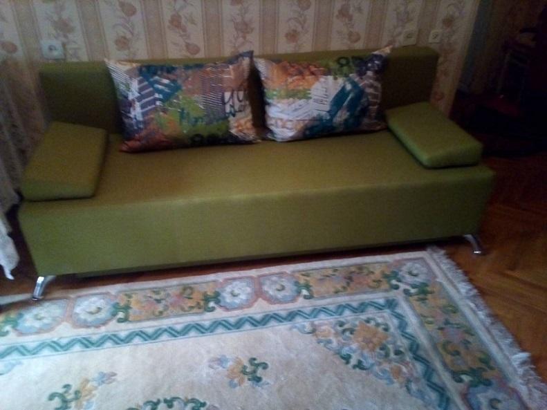 Сдаю 3-комнатную квартиру в Киеве рядом с метро Левобережная. Посуточно