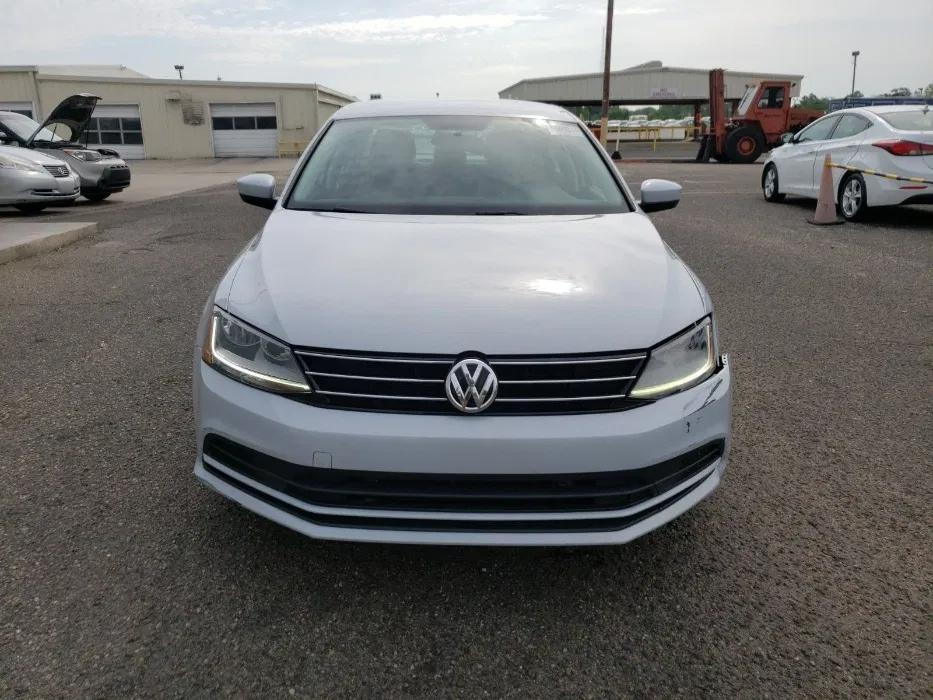 Volkswagen Jetta S 2017 – топовое авто за 8500$