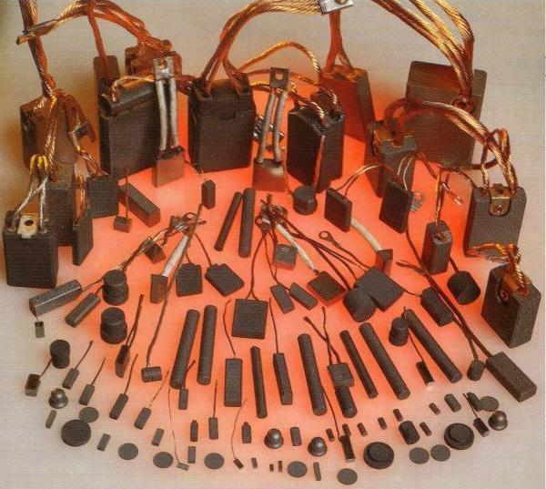 Продаем электрощетки для электромоторов ,щеткодержатели. Наличие .