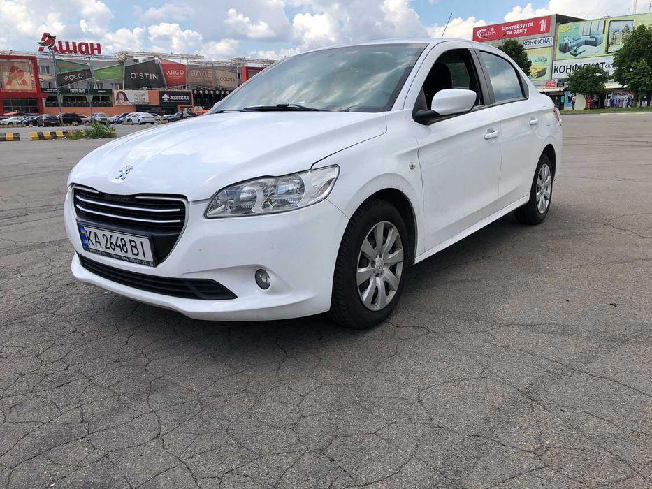 Peugeot 301 – надёжный и экономичный седан