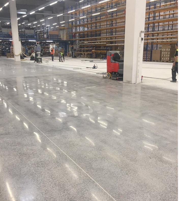 Алмазная шлифовка бетонных полов1