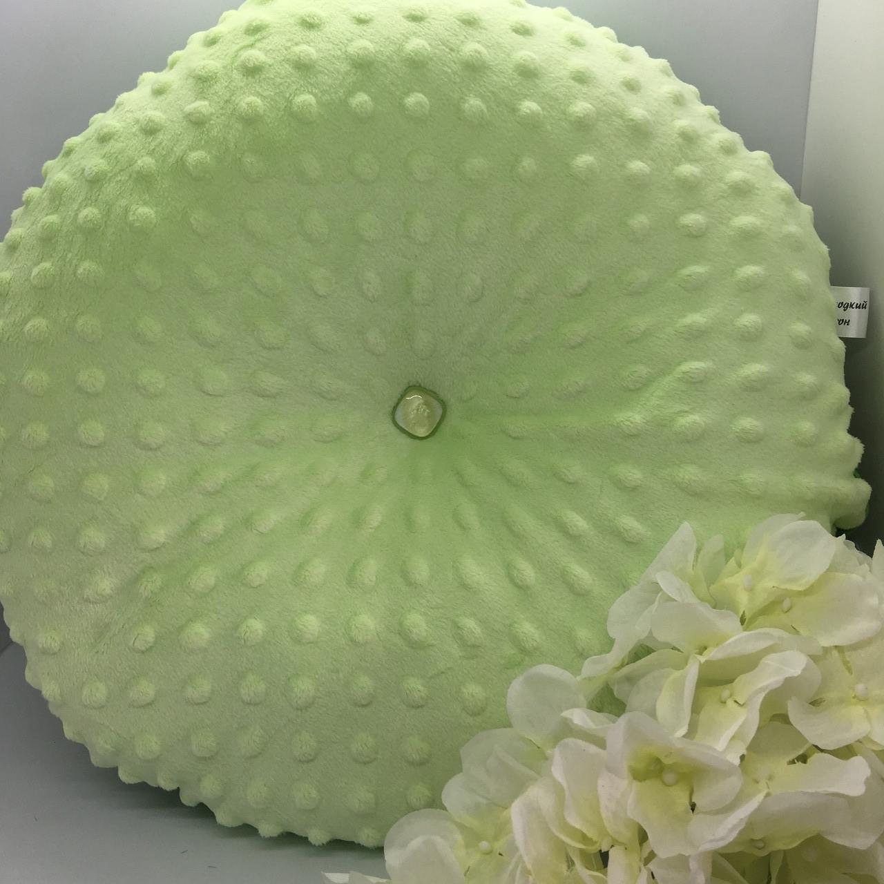 Декоративна подушка салатового кольору