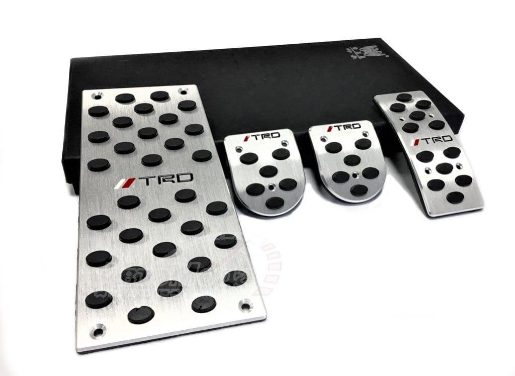 Накладки на педали (МКПП) для Toyota   ДекорАвто