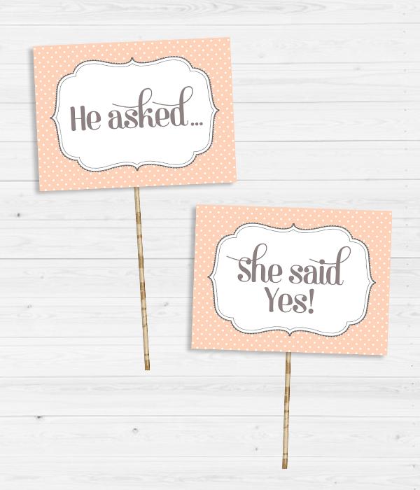 "Таблички для фотосессии ""He asked..."" и ""She said yes!"""