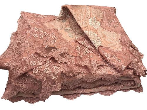 Королевское кружевное покрывало цвета пыльной розы с серебрянным напылением
