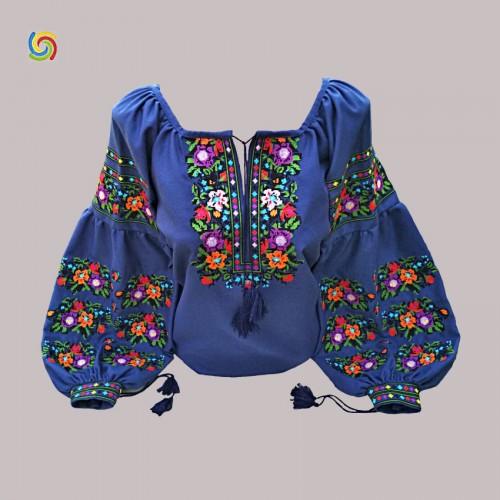 Вышиванка женская тёмно-синяя, машинная вышивка крестиком. Домотканое полотно или лён
