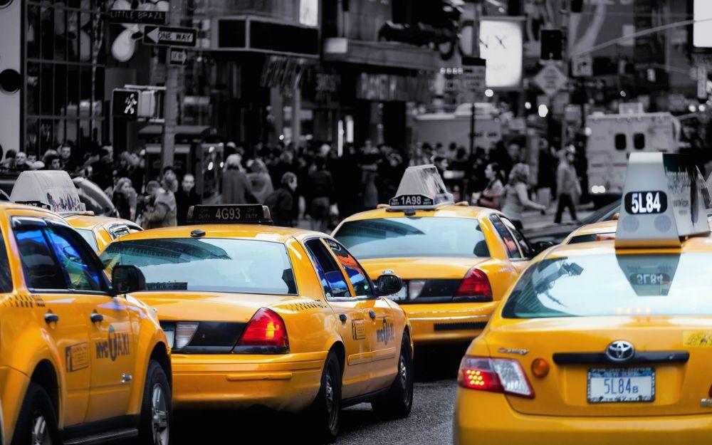 Требуются водители такси!